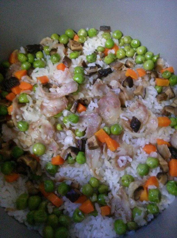 香菇海米酱油糯米饭的做法