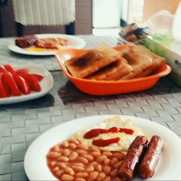 咔咔爱下厨做的西式早餐的做法