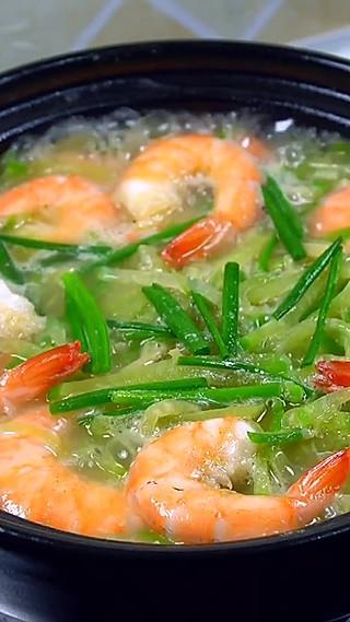 闫小亮美食的萝卜丝煮明虾