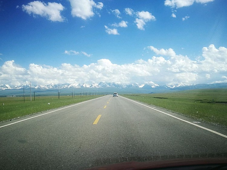 7月,在新疆的美景里穿行。图9