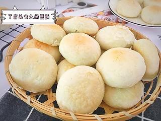 丁当老娘的酥到掉渣的绿豆饼,好吃不腻,平时还可以当早餐吃哦!