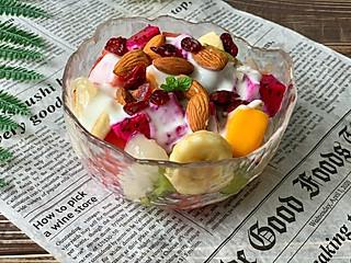 圈的边缘的仙女们都爱的酸奶水果捞