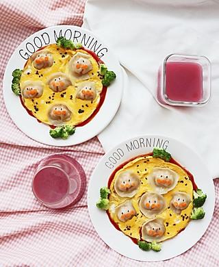 乔妃記的今日姐妹俩的早餐🥣面包超人抱蛋!这样的饺子你能吃几个呢