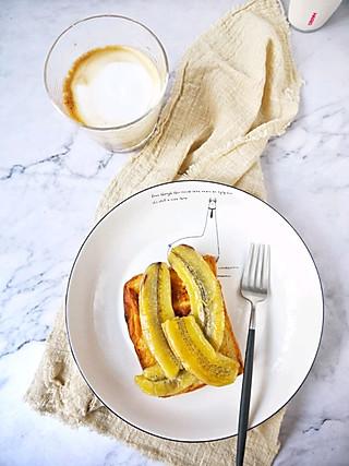 姚小胖MissYiu的早安~~拿铁+煎香蕉吐司片~~