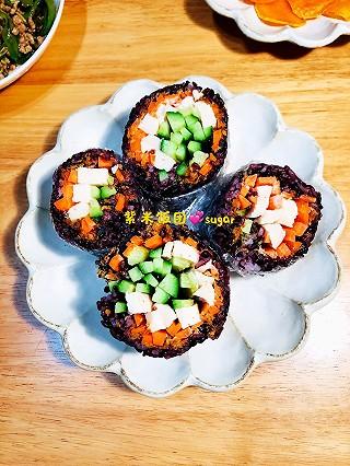 sugar的小厨房的肉松紫米饭团[愉快]