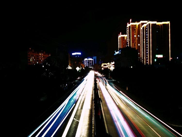 夜深人静的时,穿梭于光怪陆离的城市!图7