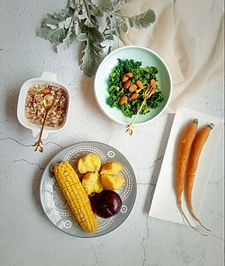 清露风荷的果仁菠菜!来尝尝蔬菜本味