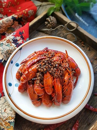 爱糖果的麻辣小龙虾