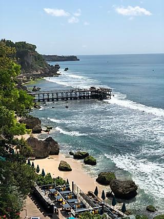 Sandy的家的金巴兰打卡全球排名前十酒吧,悬崖酒吧🍸