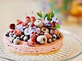 J的调味坊的不需要裱花也能美丽非凡的樱桃酒心慕斯蛋糕