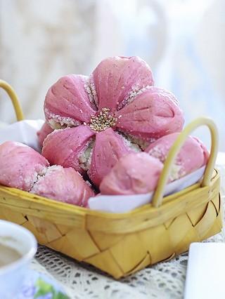 莉莉菲的【早餐°】2019-5-26:火龙果椰蓉樱花面包/奶茶