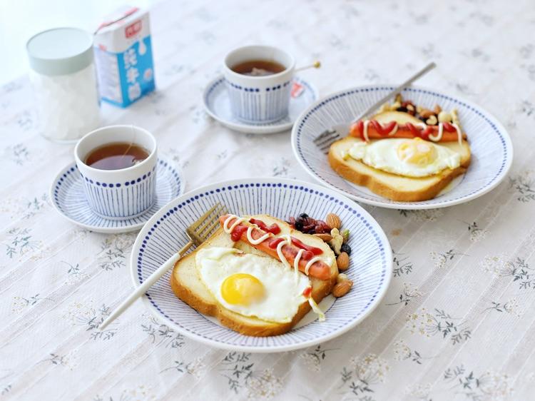 适合情侣の快手早餐,第七款面包拼盘+早餐红茶图7