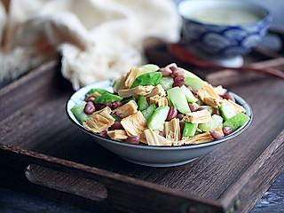 wiwiwi的清脆爽口的腐竹花生米拌黄瓜
