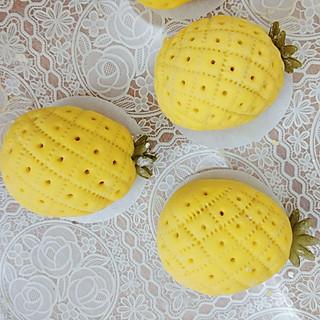 玲子灵的菠萝豆沙包