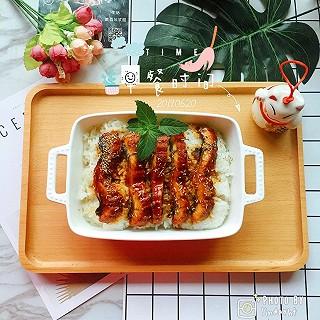lindayhf的早餐打卡:自制蒲烧鳗鱼饭,有没有诱惑到你hce