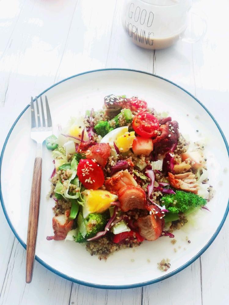 藜麦鸡肉🍖蔬菜🥬水果🍎沙拉🥗图3