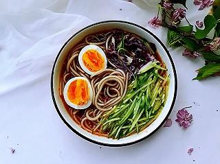 王梅子营养美食的