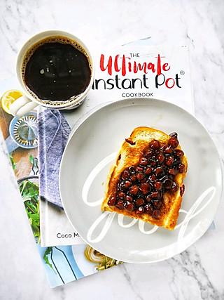 姚小胖MissYiu的早安~~黑咖啡+黑糖珍珠吐司片~~