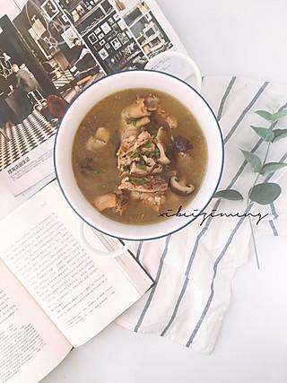 西贝梓萌的《小欢喜》宋老师每天到底给英子炖的什么汤?让她脑袋这么聪明~
