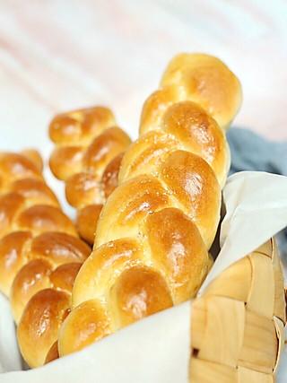 馨儿小食记的辫子面包