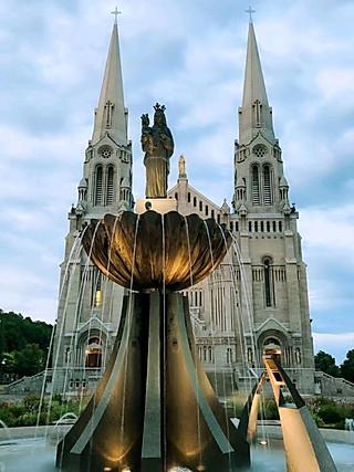 爱美食的拉拉的天主教堂