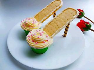 圆圆开心厨房的高跟鞋杯子蛋糕#德运甜品战#