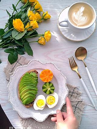 快乐家族宝妈刘华的<topic id='271'>秀早餐 </topic>🌸 喜欢这样一个洒满阳光温暖的早晨,和他面对面吃早餐🌹 🌹  🌸 《群主题约饭华夫饼》,模具没到。梅干菜手抓饼(矮呀太好吃😍 ),酸奶鸡蛋饼,秋葵虾仁蒸蛋羹,猕猴桃,橘子,欧包牛油果,水煮蛋,胡萝卜豆浆,炒胡萝卜丝,咖啡☕️ 拿铁,周三愉快🌹 🌹 ❤️ ❤️<topic id='736'>我要上首页 </topic><topic id='271'>秀早餐 </topic><topic id='681'>减脂轻食大作战 </topic><topic id='672'>我的菜颜色搭配最好看 </topic>
