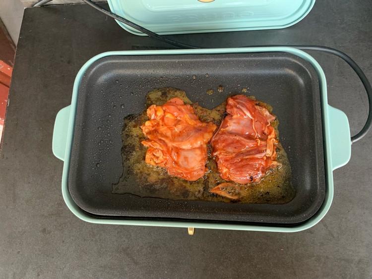 🔥不用一滴水❗️用一口平底锅就能轻松搞定的蜜汁鸡腿排,口感图6