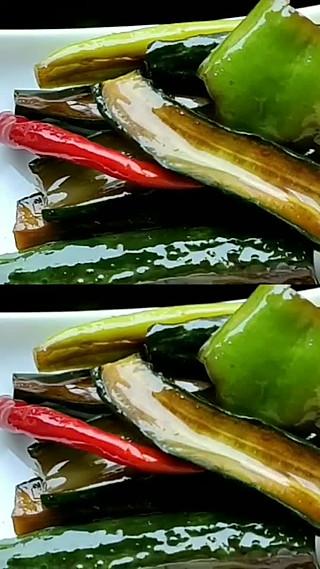 苗妈小厨的酱黄瓜就酱着吃,超级无敌好吃。