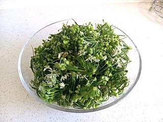 PinkyPie的韭菜花酱是秋天的美味,鲜嫩的绿色和清新的香气总让人感觉到春天的气息