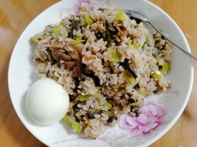 茄子炒饭也是和朝鲜族朋友学的,每每馋茄子饭了就炒上