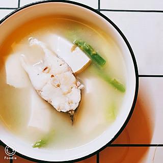 夏天爱吃荔枝西瓜冰淇淋的鲈鱼芦笋豆腐汤