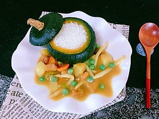 石头妈1的用南瓜蒸熟米饭配上咖喱非常美味哦