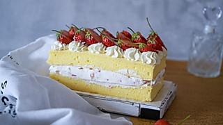 小衣服厨娘的教你制作甜蜜的鲜奶油草莓短蛋糕