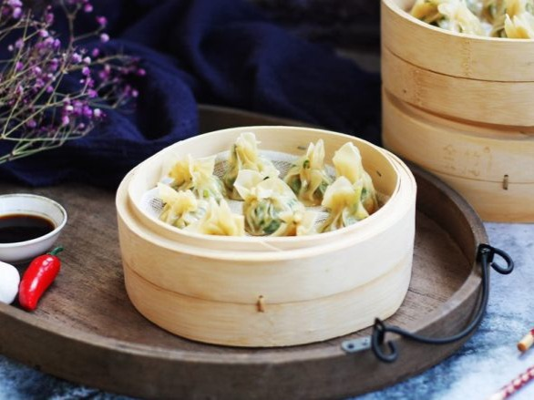 荠菜与肉馅混合后做蒸饺吃起来更加柔嫩滑口,回味无穷图2