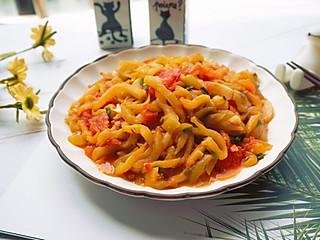 鹿鹿的漂亮妈咪的西红柿炒茄丝,不一样的开胃菜,清新下饭😋😋