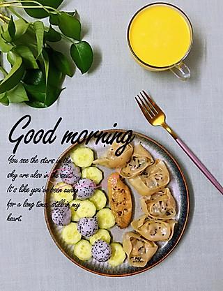 罗勒酱的7.24早安 今天的早餐颜色是不是有点素😆😆