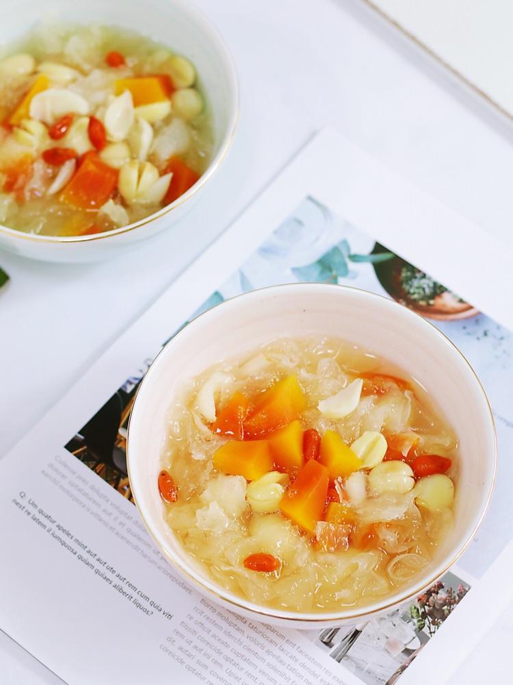 夏日必备甜汤,平价滋补养颜的木瓜银耳莲子汤羹!图4