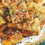 咔吱咔吱的酱香饼,当零食都能狂吃2大盘!