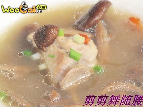 剪剪私厨之茶树菇炖排骨汤--美丽厨娘的做法
