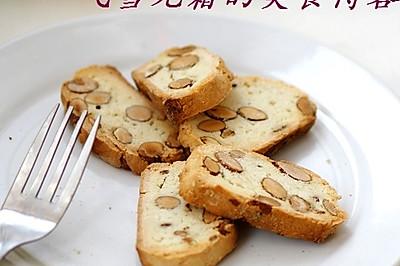 杏仁脆饼:脆,脆!牙口不好的小心!
