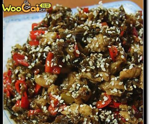 川菜的原始魅力:经典鸡米芽菜的做法