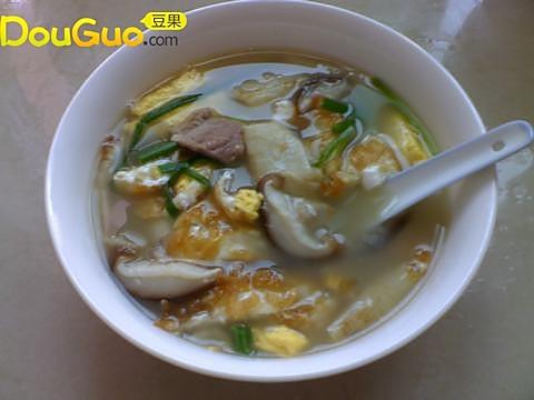 美容营养鱼肚汤的做法