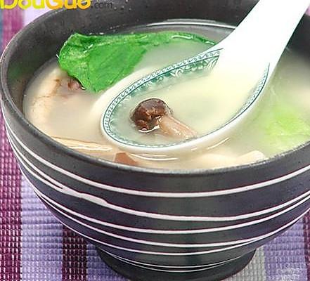大骨三菌汤的做法