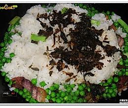 青豆腊肉焖饭的做法
