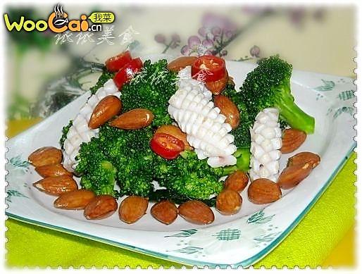 美丽厨娘---西蓝花鲜鱿鱼拌杏仁的做法