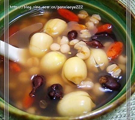 美丽厨娘-蕨麻薏仁汤的做法