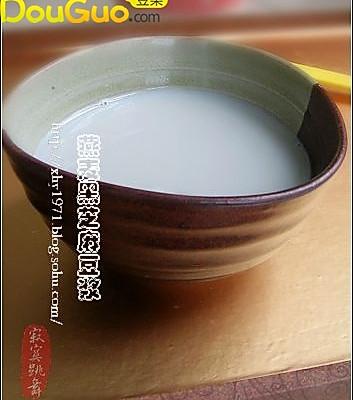 燕麦黑芝麻豆浆的做法