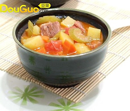 五彩蔬菜牛肉浓汤的做法