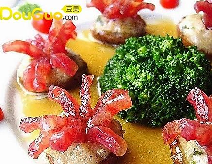 腊肠鱼蓉酿鲜菇的做法